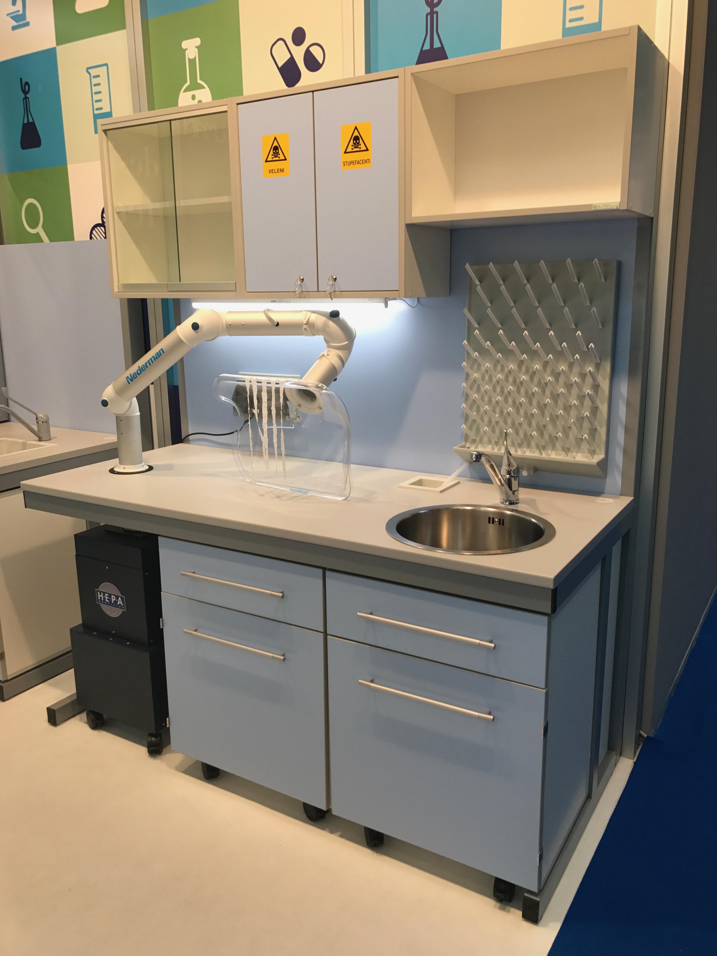 Arredamento laboratorio farcom italia for Arredamento laboratorio odontotecnico